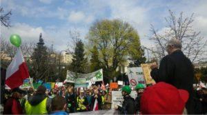 Manifestacja w obronie energetyki odnawialnej
