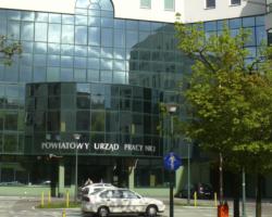 PiS zabierze samorządom pieniądze dla bezrobotnych